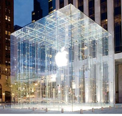 Continuano i lavori al nuovo Apple Store di Torino: Compare il logo sul pannello, inaugurazione imminente?