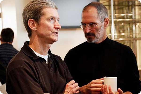 Apple: Tim Cook guadagna più di Steve Jobs.