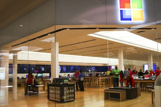 Microsoft aprir un nuovo retail store a seattle giusto for Furniture u village seattle