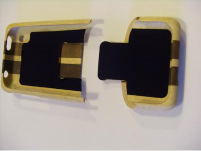 PEAR: una Cover in legno pregiato per il vostro iPhone