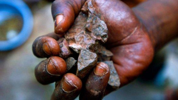 Apple smette di adoperare minerali i cui proventi vengono utilizzati per finanziare la guerra in Africa