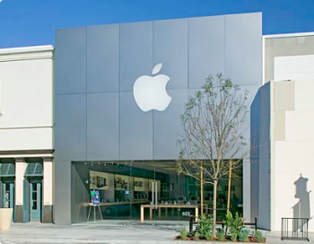Rapina in un Apple Store negli USA, ucciso uno dei tre rapinatori