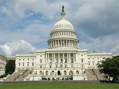 """Il Senato americano chiama di nuovo Apple e Google per discutere sulla """"privacy"""""""