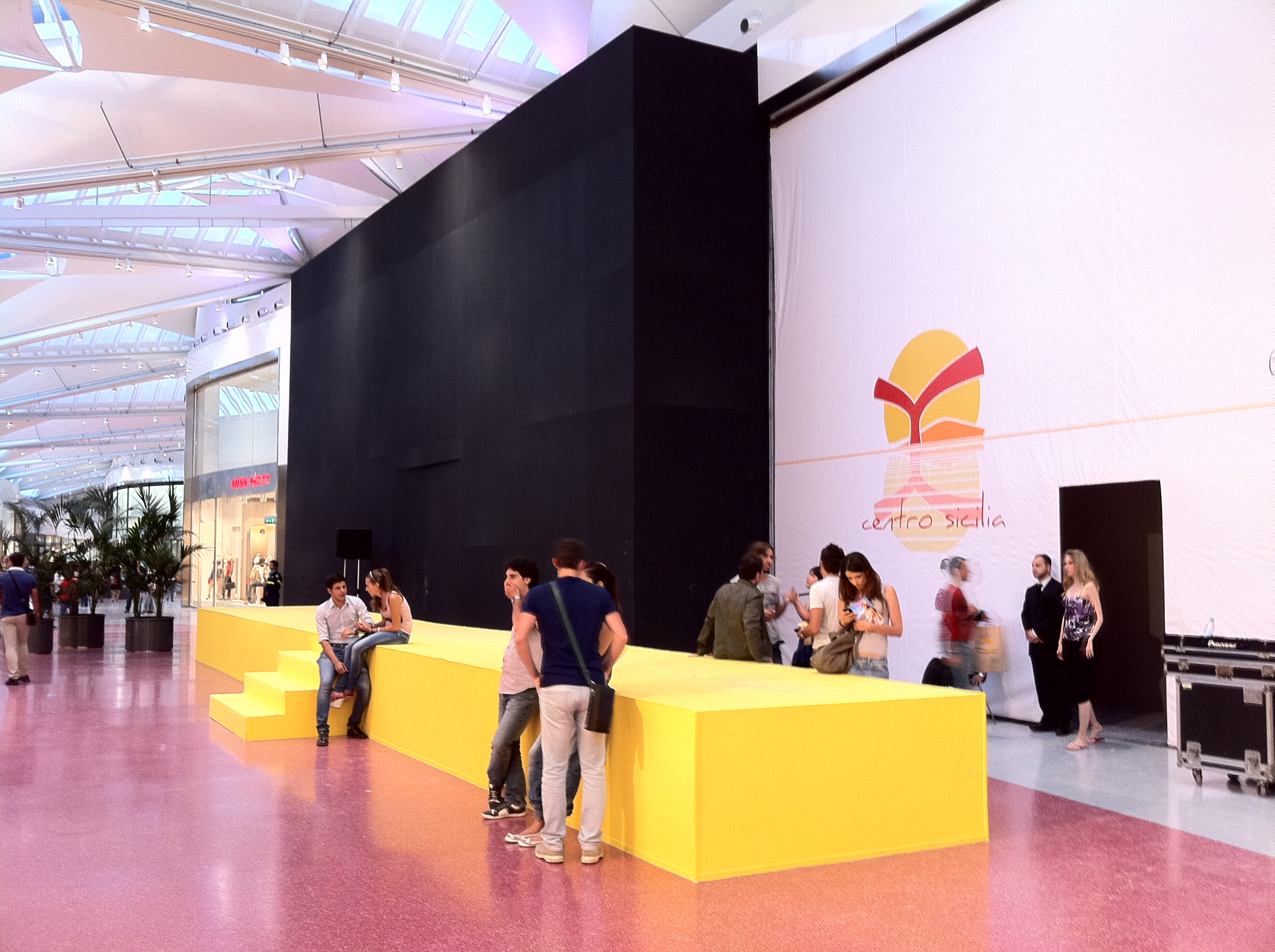 Ecco le prime foto del nuovo Apple Store che sorgerà a Catania presso il centro commerciale Centro Sicilia!