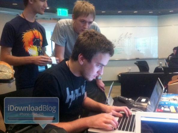 GeoHot partecipa all'iOSDevCamp, per migliorare le tecniche di sviluppo delle applicazioni per iOS