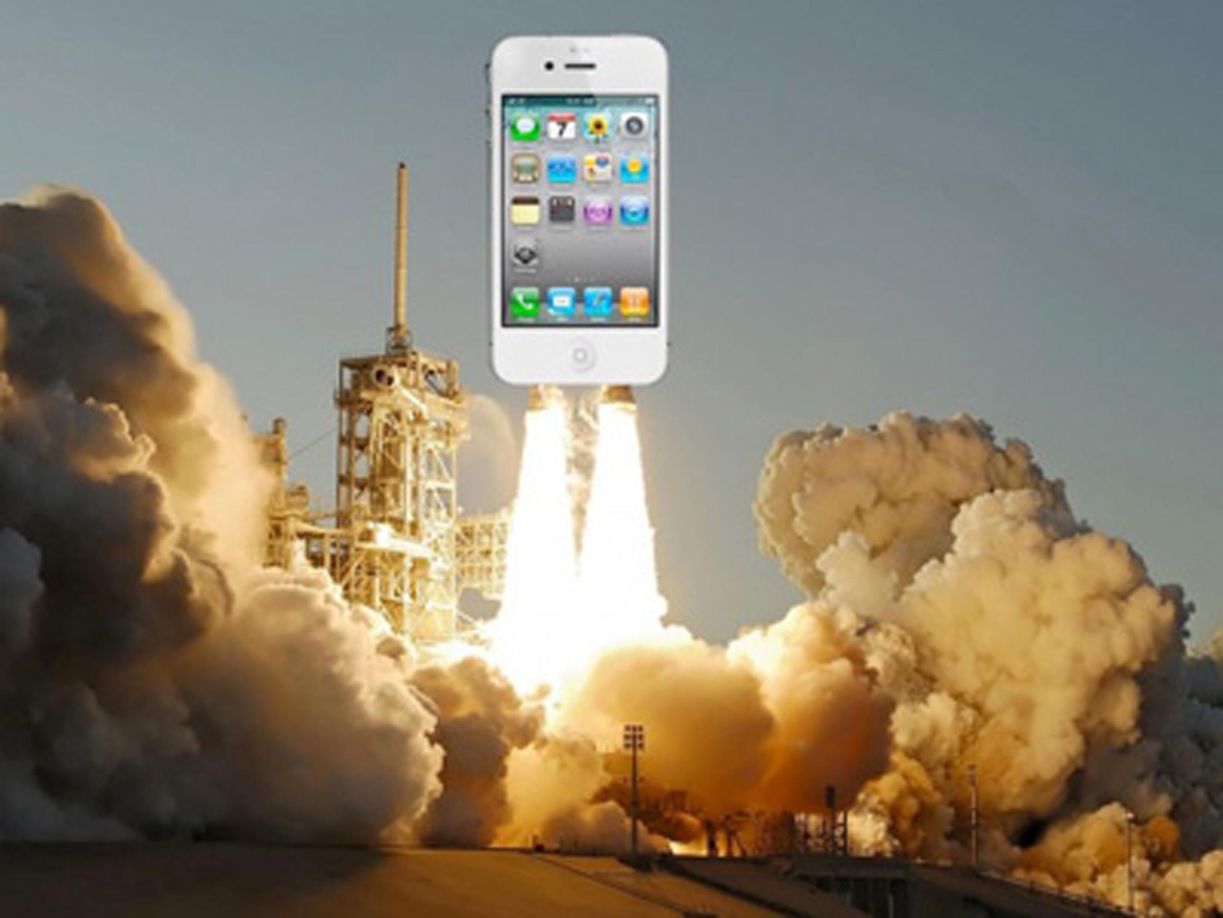 Domani due iPhone 4 verranno lanciati nello spazio per l'ultima missione dello Space Shuttle