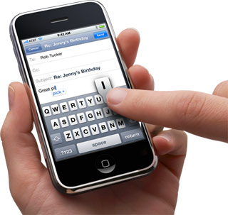 Un robot mostra l'inaccuratezza del touchscreen di iPhone 5S e 5C. Meglio il Galaxy S3 [Video]