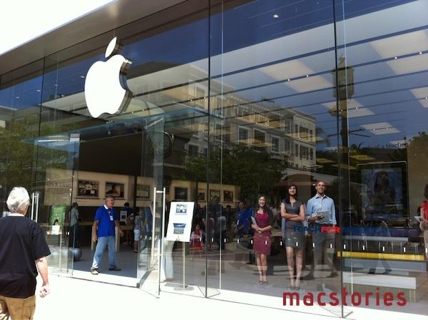 Apre The Americana at Brand, il nuovo Apple Store di Glendale, California. Foto e video!