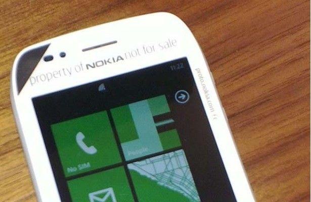 I Nokia Windows Phone saranno presentati il 26 Ottobre ma già compaiono le prime immagini dei terminali