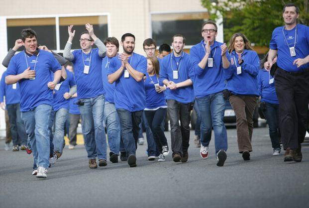 Training per i manager degli Apple Store, così la società californiana cerca di gestire le proteste dei suoi dipendenti