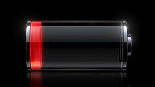 La breve durata della batteria dell'iPhone 4S è causa del software