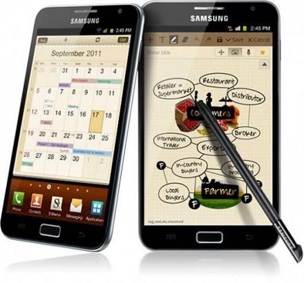 Samsung lancia in Italia il Galaxy Note, la via di mezzo tra smartphone e tablet che introduce il concetto di 'pen app' [VIDEO]
