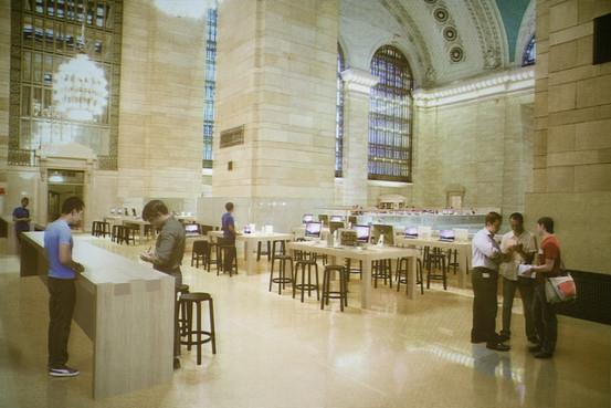 """Lo Stato di New York indaga sull'accordo """"sospetto"""" che ha permesso ad Apple di acquistare gli spazi di Grand Central per il nuovo store"""