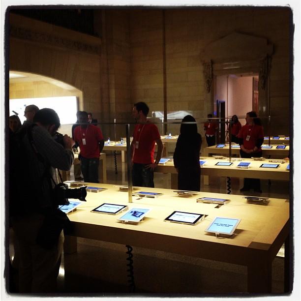 """Ecco i primi scatti dell'Apple Store """"Grand Central"""" che aprirà al pubblico questo venerdì!"""
