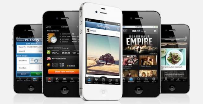 Multinazionali in attesa del calo della richiesta di iPhone 4S per lanciare i loro nuovi prodotti