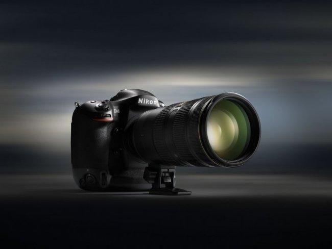 Nikon D4 D-SLR, la fotocamera reflex controllabile tramite iPhone