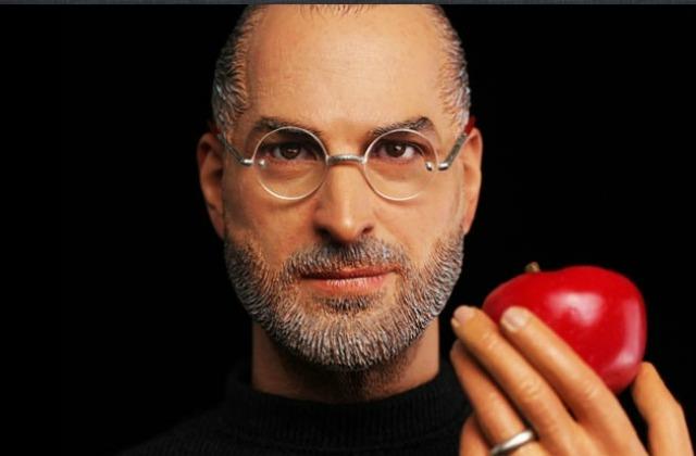 Apple chiede di sospendere la produzione dell'action figure di Steve Jobs