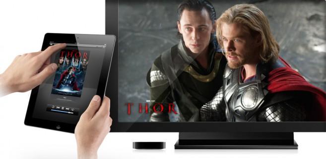 """Apple brevetta un telecomando universale touch screen, primi """"accessori"""" per la iTV?"""