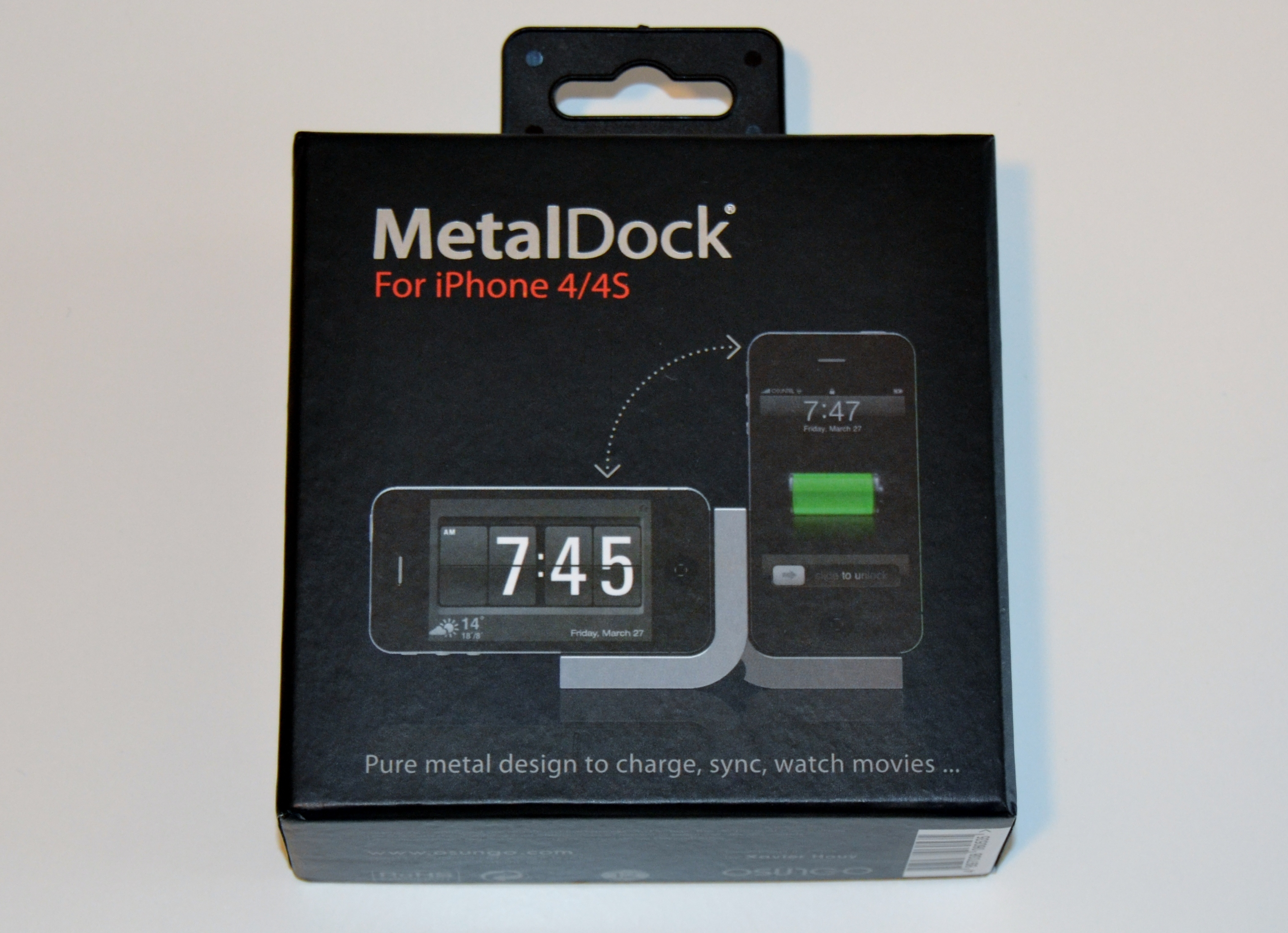 Osungo Metal Dock Station per iPhone 4/4s: trasforma il tuo iPhone in una sveglia | iSpazio Product Review