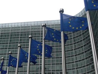 Apple chiede all'Europa di creare un set di regole per la tutela dei brevetti principali