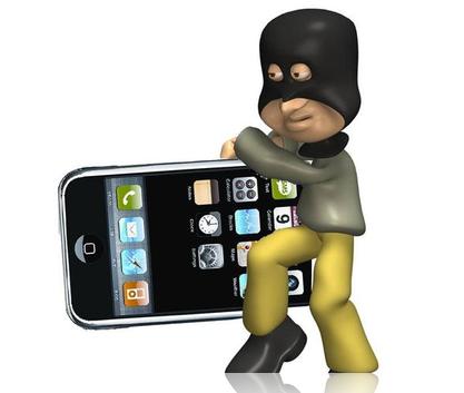 Due truffatori acquistavano iPhone con documenti falsi pagandoli 10 euro