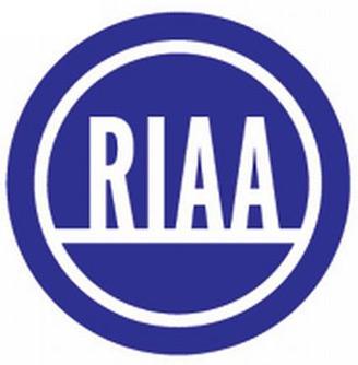 I danni della pirateria e l'iPod da 8 miliardi di dollari: come RIAA vede il mondo