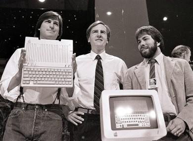 La quota Apple di Ronald Wayne, venduta per 2.300 dollari, ora varrebbe 60 miliardi | Curiosità