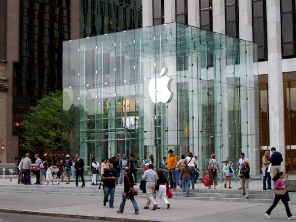Apple Store: 300 milioni di visite nel 2012 e 50.000 utenti al giorno al Genius Bar