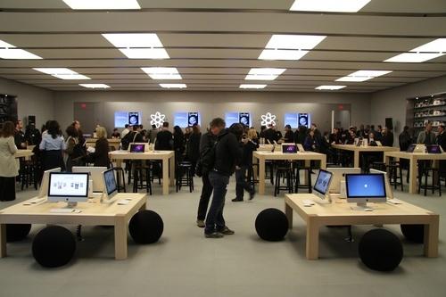 La nuova dirigenza Apple ha intrapreso nuove politiche per il settore retail: come stanno cambiando gli Apple Store?