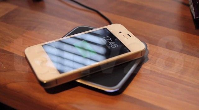 Ricaricare il vostro iPhone in maniera completamente wireless non è un'impresa impossibile [VIDEO]