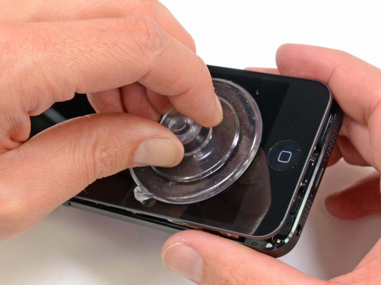 Apple sostituirà gli schermi rotti degli iPhone 5 direttamente negli Store?