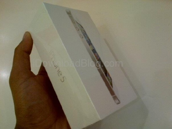Ecco a voi la scatola (bianca) del nuovo iPhone 5