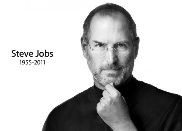La mini action figure di Steve Jobs incontra la statua a Madame Tussauds