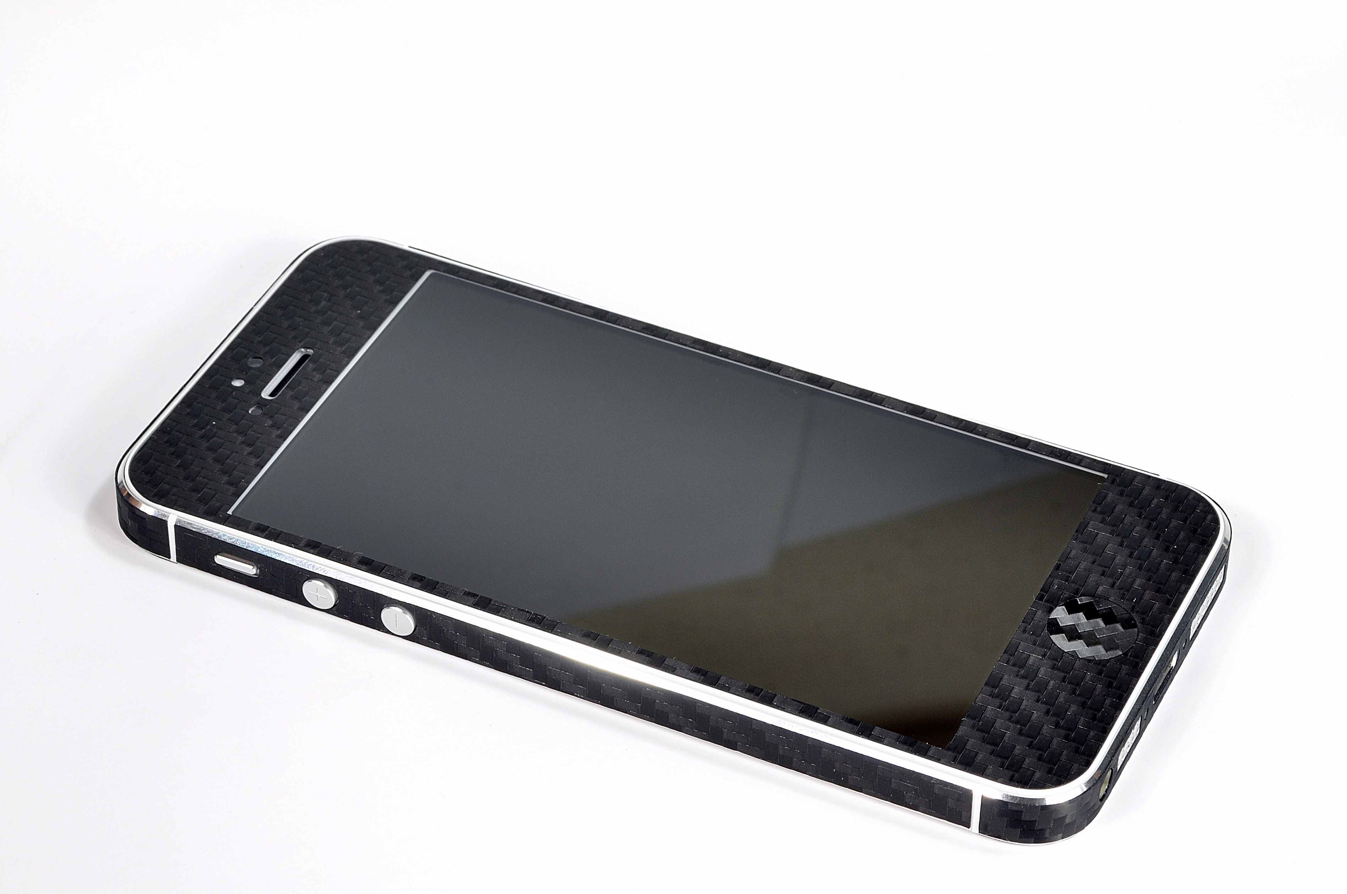 Cambia volto all'iPhone 5: Anycast Solutions presenta la nuova collezione di Skin 4D