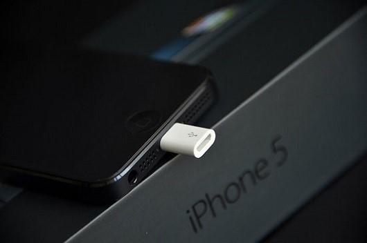 Adattatore da Ligthning a Micro USB in regalo con iPhone 5, ma solo in Cina