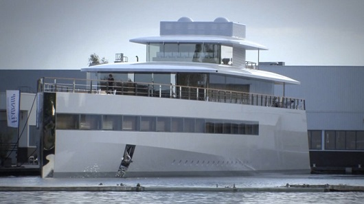 steve-jobs-Philippe-starck-yacht-venus-FSMdotCOM