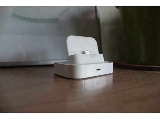 Ecco un bellissimo dock universale per iPhone creato grazie alla stampa 3D