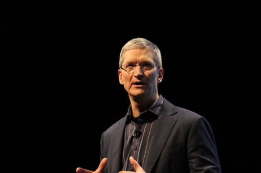245138-tim-cook-introduces-iphone-44