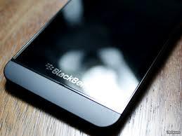 BlackBerry Z10 arriva in Italia! Secondo gli analisti non ha speranze