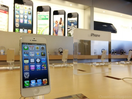 iPhone-5-Apple-Store-533x400