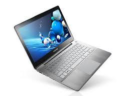 [MWC] Ultrabook Serie 7: la proposta di Samsung per sfidare il Macbook Air di Apple [Video]
