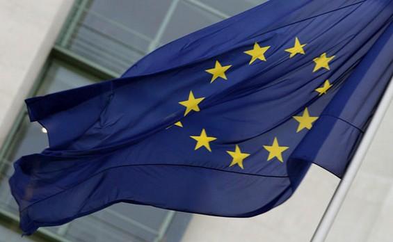iPhone a contratto con operatori telefonici nel mirino dell'Unione Europea