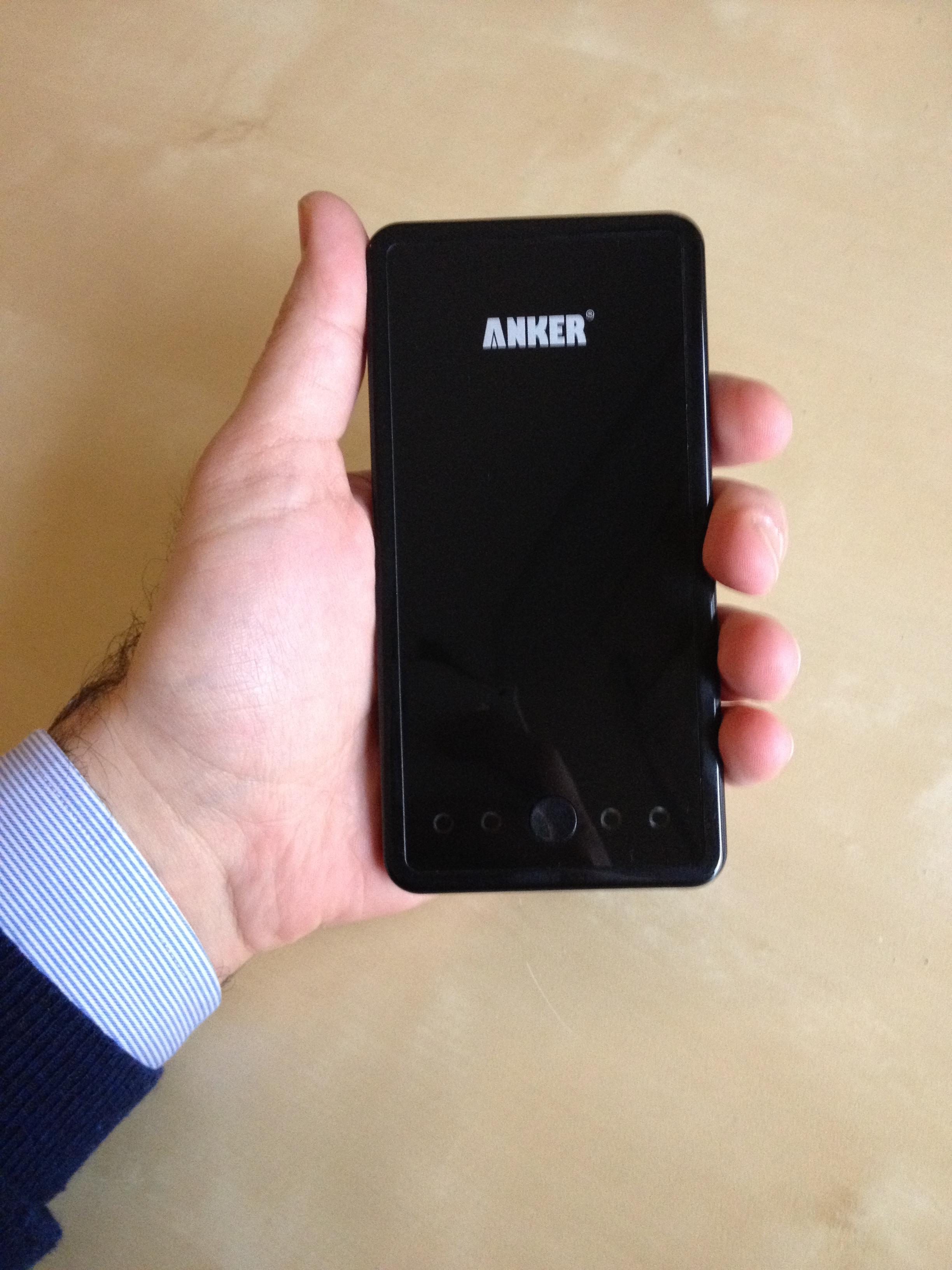 Anker Astro3E: Potente batteria supplementare per iPhone 5, iPad e qualsiasi altro smartphone/tablet – La Recensione di iSpazio