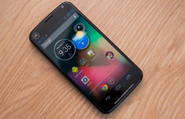 Non solo X Phone: svelato un altro smartphone Google-Motorola [Video]