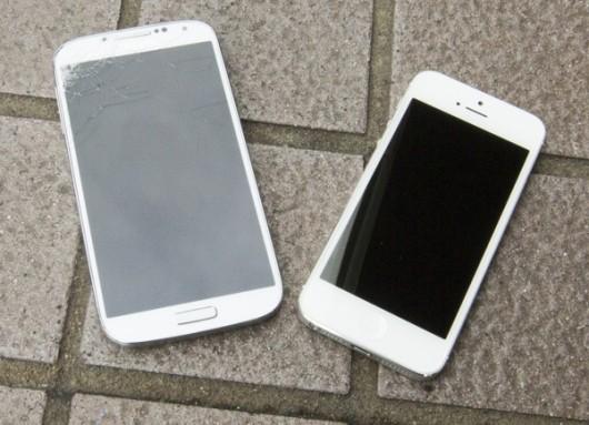 galaxy-s4-vs-iphone-5-drop-test