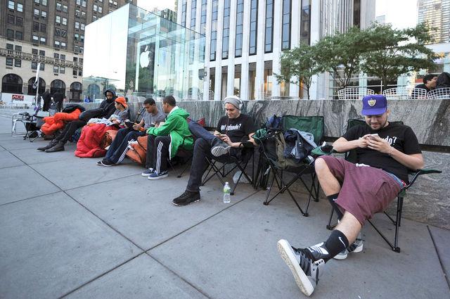 Quasi la metà dei giovani americani possiedono un iPhone, il 62% pianifica di acquistarne uno