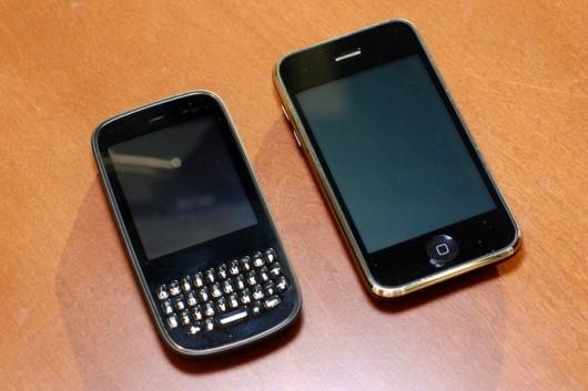 palm_pixi_plus_iphone