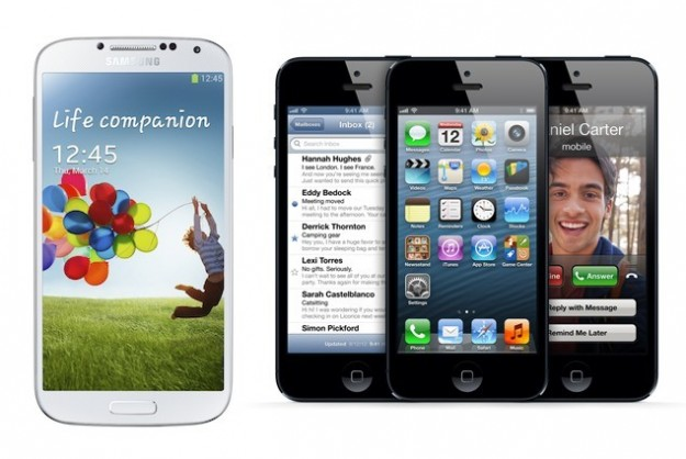samsung-galaxy-s4-in-un-confronto-con-iphone-5