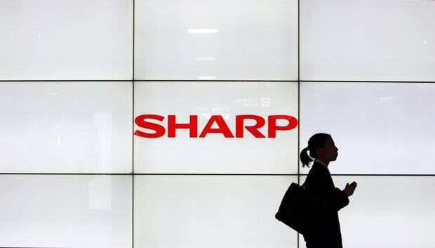 Sharp, preoccupata dalla situazione di Apple, si rivolge alla 'nemica' Samsung
