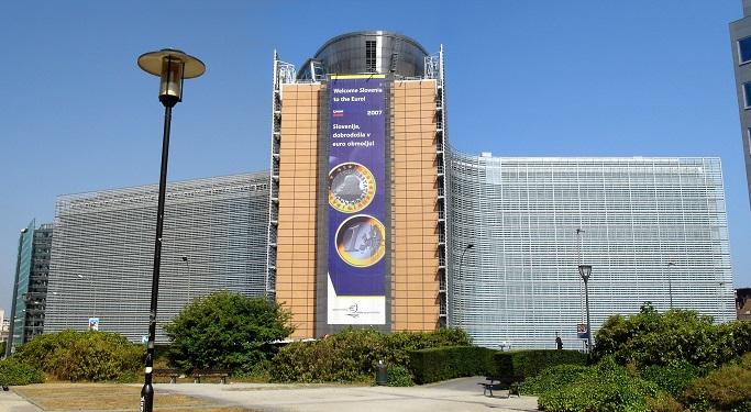 La Commissione Europea si scaglia contro le politiche anti-competitive di Apple